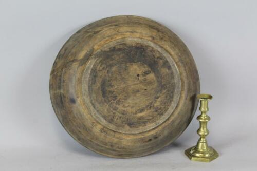 LATE PILGRIM PERIOD 17TH C AMERICAN TURNED & HEWN MAPLE BOWL TRACES OF BLACK