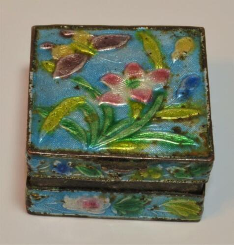 Ant Chinese Butterfly & Flowers Enamel on copper cloisonné snuff pill hinged box