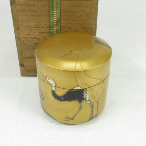 B679 Real old Japanese gold lacquer ware powdered tea container with crane MAKIE