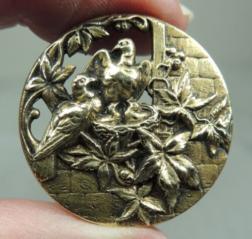 ANTIQUE BRASS PICTURE BUTTON ~ 2 BIRDS IN A WINDOW GUARDING BABIES IN THE NEST