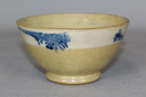 "VERY EARLY 19TH C YELLOW WARE MOCHA BOWL 1"" WHITE SLIP RING & BOLD BLUE SEAWEED"