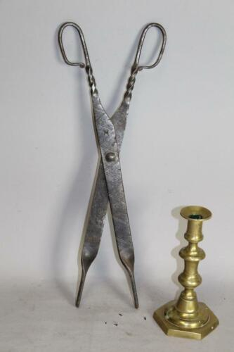 RARE SIGNED & DECORATED 17TH C PILGRIM PERIOD AMERICAN WROUGHT IRON PIPE TONGS
