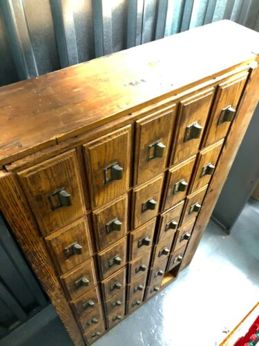 EARLY 1900s APOTHECARY CABINET