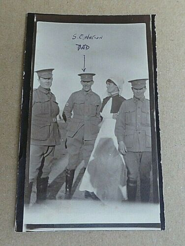 WW1 AIF  AUSTRALIAN ARMY MEDICAL CORPS SOLDIER & NURSES PHOTO NAMED S.C NATION1914 - 1918 (WWI) - 13962