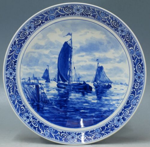 @ A PERFECT @ handpainted Porceleyne Fles Delft delft plate with boats 1962
