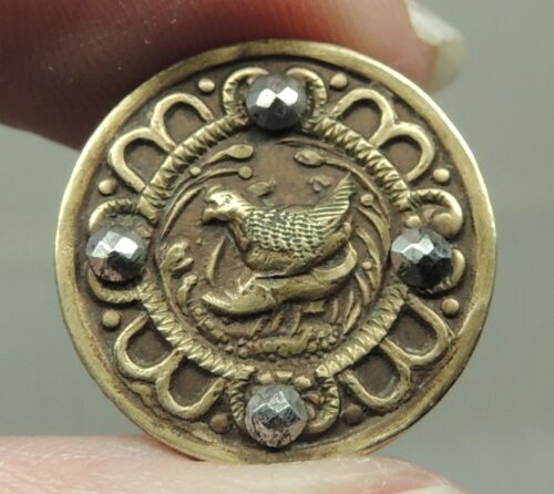 """SMALL ANTIQUE BRASS PICTURE BUTTON ~ THE LITTLE RED HEN  11/16"""""""