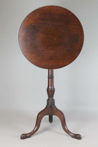 A GREAT 18TH C PHILADELPHIA QUEEN ANNE MAHOGANY TILT TOP CANDLESTAND OLD SURFACE
