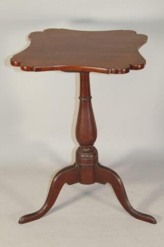 RARE EARLY 18TH C CT QA SHAPED TOP CANDLESTAND IN GREAT ORIGINAL RED PAINT