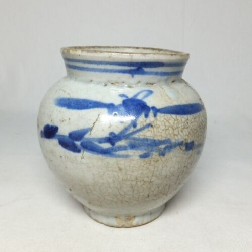 E0104: Real old Korean blue-and-white porcelain vase in Joseon Dynasty age