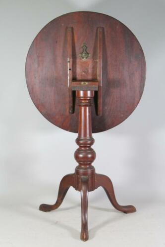 RARE 18TH C PHILADELPHIA PA CHIPPENDALE TILT TOP CANDLESTAND IN ORIGINAL SURFACE
