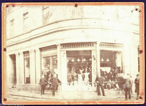 19th C. WOMAN'S DRESS STORE FRONT~ OUTDOORS ~ORIGINAL PHOTO ~ EARLY FASHION