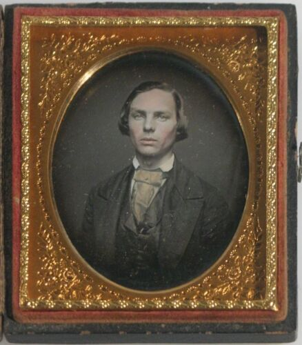 DAGUERREOTYPE OF YOUNG MAN -BEAUTIFULLY TINTED & EXTREMELY SHARP IN FULL CASE