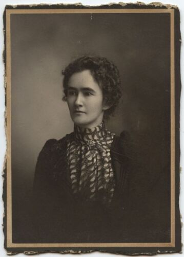YOUNG LADY IN BEAUTIFUL DRESS DUNN WORKED AT HOSTTERS CABINET CARD