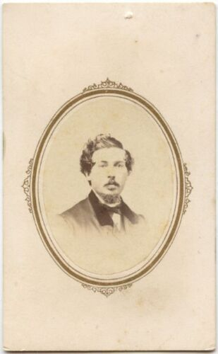 YOUNG MAN - D. J. LAMB - WITH NICE SUIT AND GOATEE VINTAGE CDV