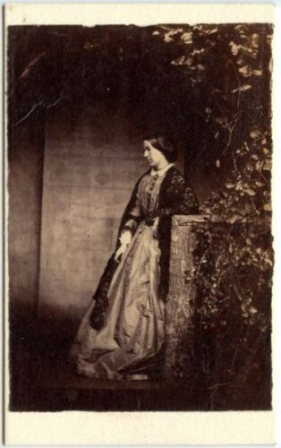 YOUNG WOMAN IDED N BACK MARY ANNA 1863 VISCOUNTESS HEREFORD CDV