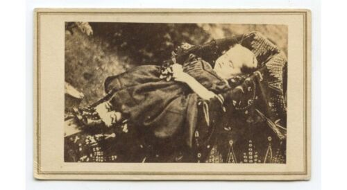 1860S POSTMORTEM CDV PHOTO OF A BABY HARTFORD, CONN, W/ STAMP