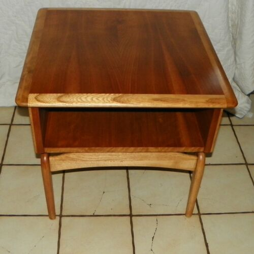 Mid Century Lane Walnut & Ash End Table / Side Table  (BM-T412)
