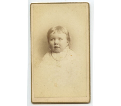 CDV - STUDIO PORTRAIT OF YOUNG CHILD W/ LIGHT COLORED EYES FROM CLEVELAND, OH