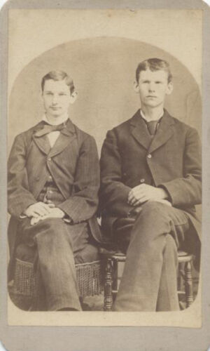 CDV PORTRAIT OF TWO WELL-DRESSED HANDSOME YOUNG MEN - HOLLIDAYSBURG, PA