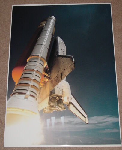 SPACE SHUTTLE DISCOVERY POSTER PRINT 36x26 IN FLIGHT HI RES 9 MIL PAPER
