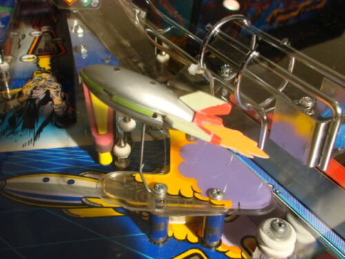 Top Holiday Gifts Twilight Zone pinball machine rocket ship mod, lighted, fabulous