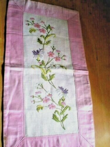 BEAUTIFUL embroidered tapestry flowers 100% Cotton Pink size 20.5''x 11''
