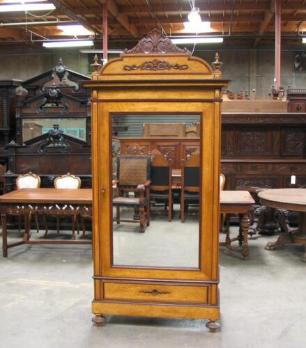 IT2910-1 : ANTIQUE ITALIAN SINGLE DOOR RENAISSANCE ARMOIRE W/ BIRDS EYE MAPLE