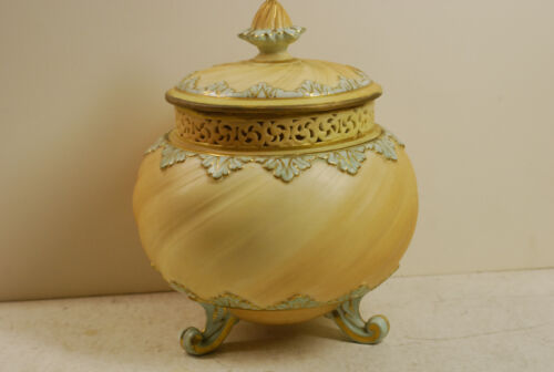 Royal Worcester potpourri jar and lid, 3 footed, date probably 1905, ex cond.