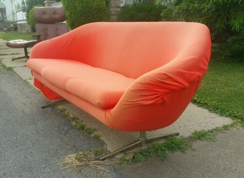 Mid century modern Overman Gondola Pod Couch Need Upholstery, Great Foam!