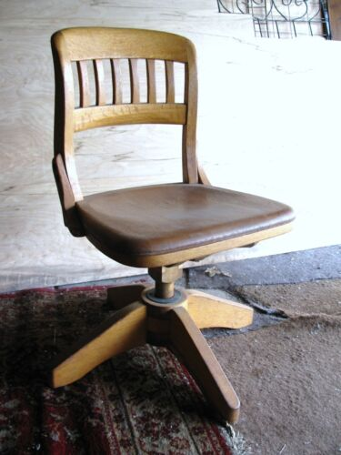 Swivel Chair Solid Oak Wood Railroad/Banker/Courtroom Adjustable PICK UP ONLY