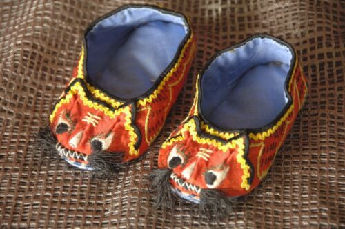 Vintage Japanese Handmade Baby Slippers …beautiful & colourful