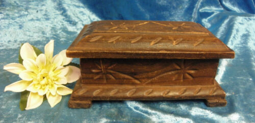 Vintage Wood Box Hand~Carved In Spain Jewelry What Not Trinket 0011010