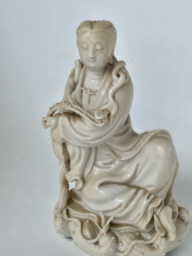 Chinese Blanc de Chine Porcelain Figure of Guanyin, 18th Century