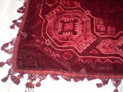 Beautiful-OLD-VINTAGE-Woolen Tablecloth--Color-red