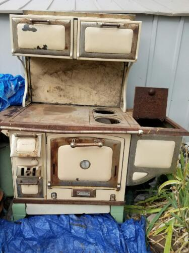 The Great Majestic Wood Stove (1900s) antique, old west, rustic, cabin