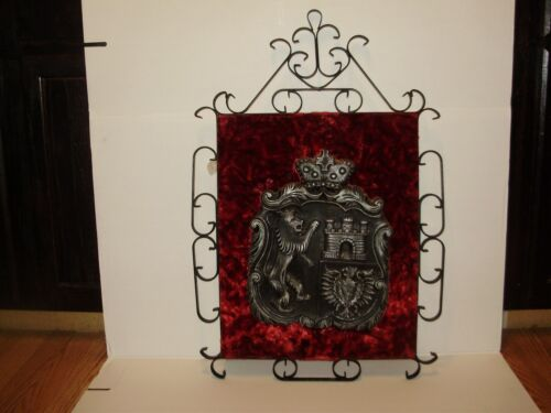 VGT.SPANISH, GOTHIC WROUGHT IRON ( COAT OF ARMS ) WALL DECOR VINTAGE HEAVY IRON