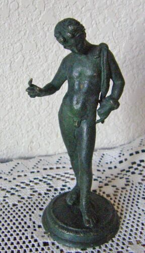 ANTIQUE SMALL BRONZE FIGURE ROMAN WITH ROMAN GREETING HEAVY PATINA UNSIGNED