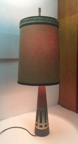 TONY PAUL WESTWOOD WALNUT BRASS MID CENTURY MODERN JETAGE ATOMIC CONE TABLE LAMP