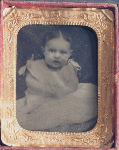 CUTE ROUND FACED BABY. TINTYPE, 9TH PLATE, NO GLASS, FULL CASE.