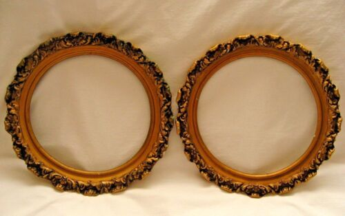 ANTIQUE VINTAGE PAIR OF ORNATE ROUND PICTURE FRAMES PLASTER GOLD GILT GESSO