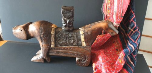 Old Sulawesi Carved Wooden Ceremonial Ashes Urn