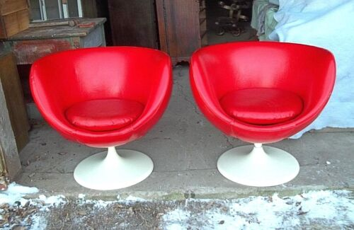PAIR OF MID CENTURY JOE COLOMBO RED VINYL EGG SHELL SPACE AGE SWIVEL TUB CHAIRS