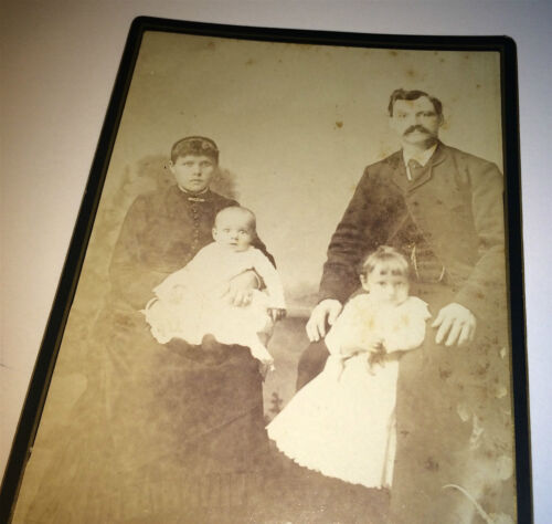 Antique Victorian American Family! Bouquet of Flowers on Floor! NY Cabinet Photo