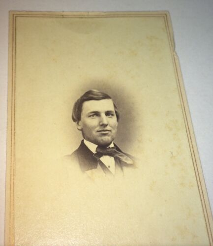 Antique American Civil War Victorian Fashion Handsome Man! CDV Photo! C.1862 US!