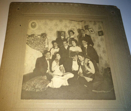 Antique Victorian Interior Group! Affectionate! American Fashion! Cabinet Photo!