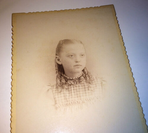 Antique Victorian Fashion Beautiful Young Girl W/ Pearl Necklace Cabinet Photo!