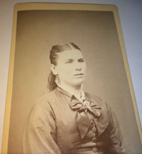 Antique Beautiful Victorian American Woman, Lovely Earrings! Bow! CDV Photo! US!
