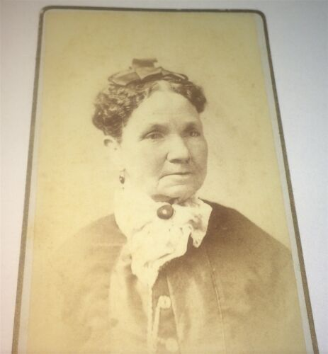 Antique Victorian American Fashion Old Woman! Willimantic, Connecticut CDV Photo