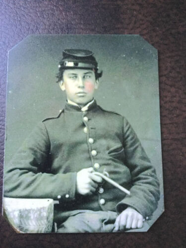 civil war Military Soldier With Pistol tintype C504rP