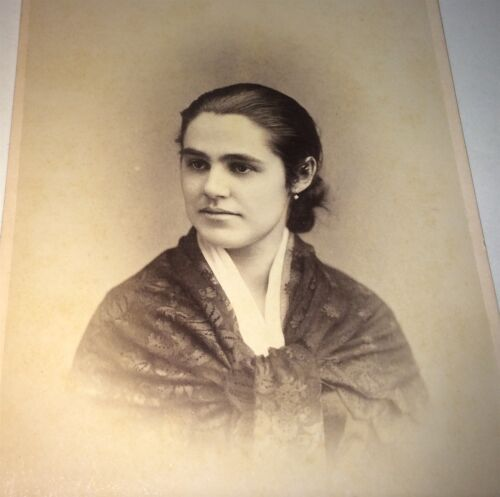 Antique Victorian American Fashion Woman, Lovely Style! New York Cabinet Photo!